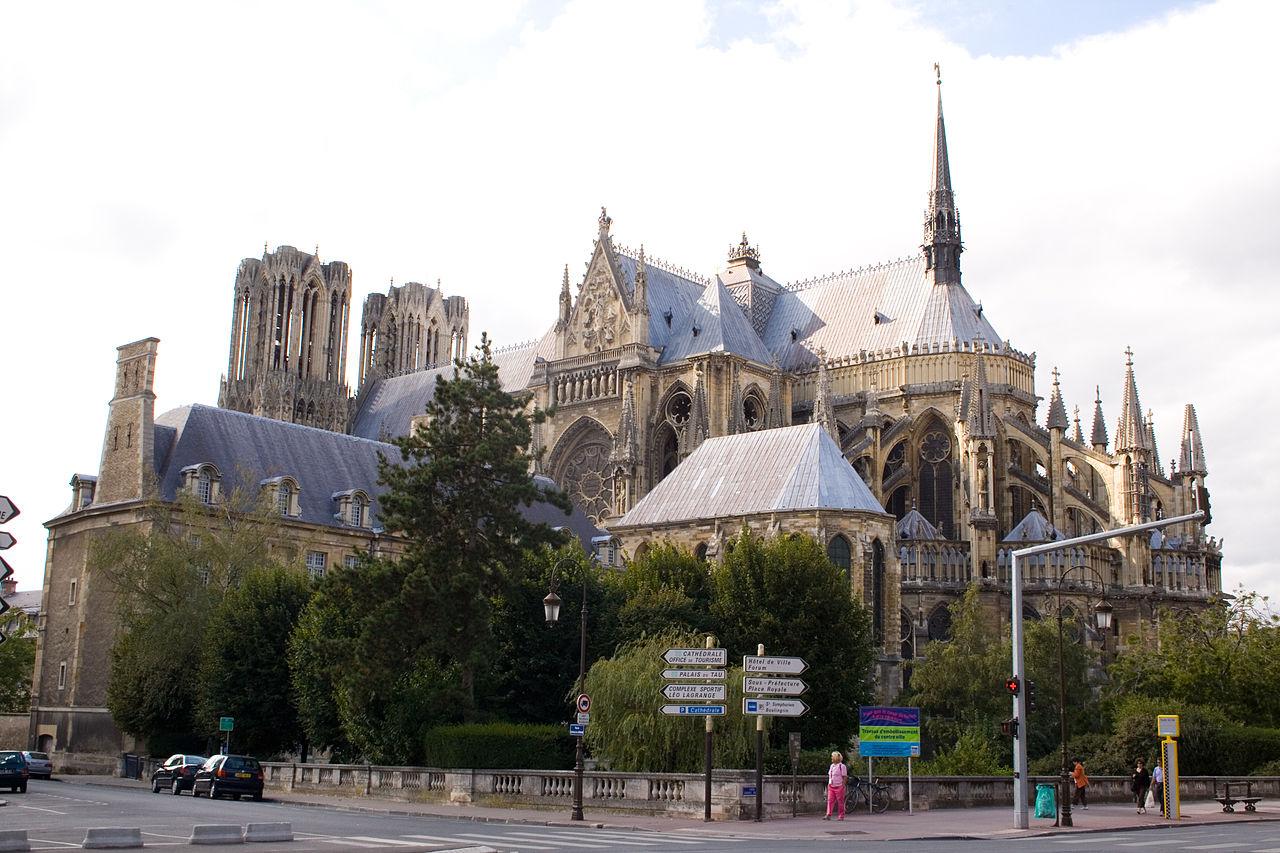 cathedrale_de_reims_et_palais_du_tau