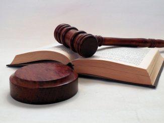 Gericht (pixabay.com; public domain)