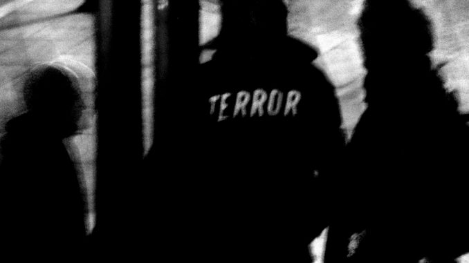 Titelbild: Terror-Ermittlung (Foto:Erich Ferdinand/flickr.com; Lizenz:CC BY 2.0)