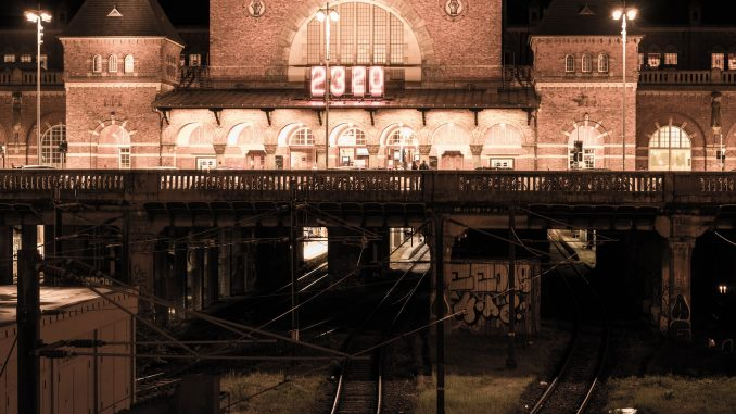 Kopenhagen Bahnhof bei Nacht
