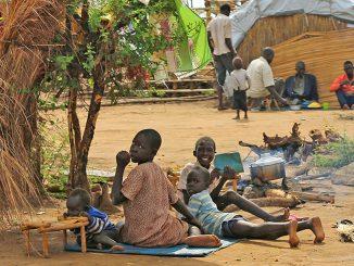 Kinder, die im Flüchtlingscamp aufwachsen, Foto: R. Manoutschehri