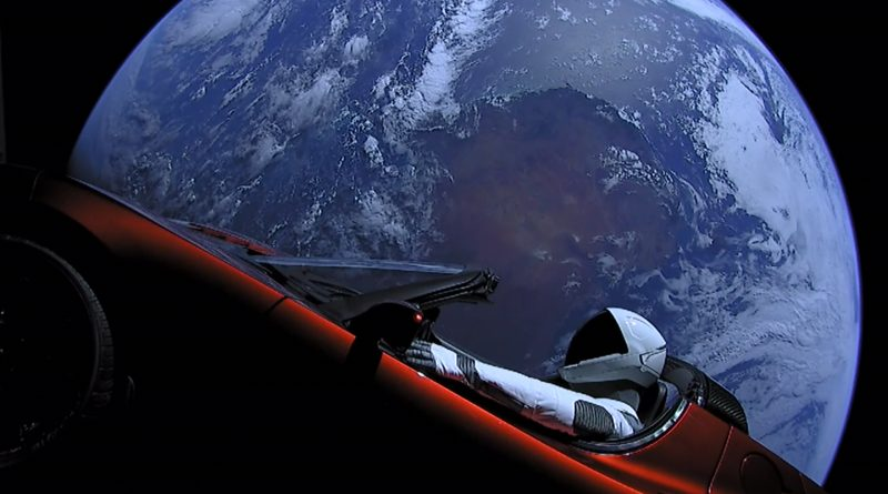 (Das Titelbild zeigt Elon Musks Tesla Roadster an Bord der SpaceX - Falcon Heavy Demo Mission, Februar 2018)