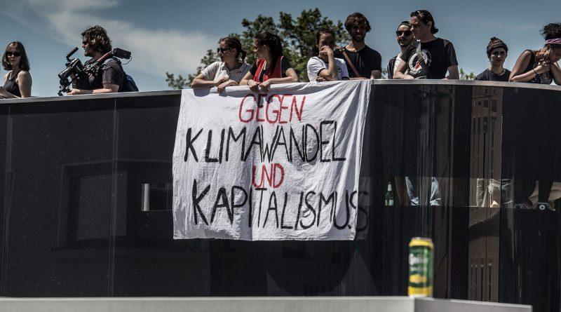 """""""Gegen Klimawandel und Kapitalismus"""""""