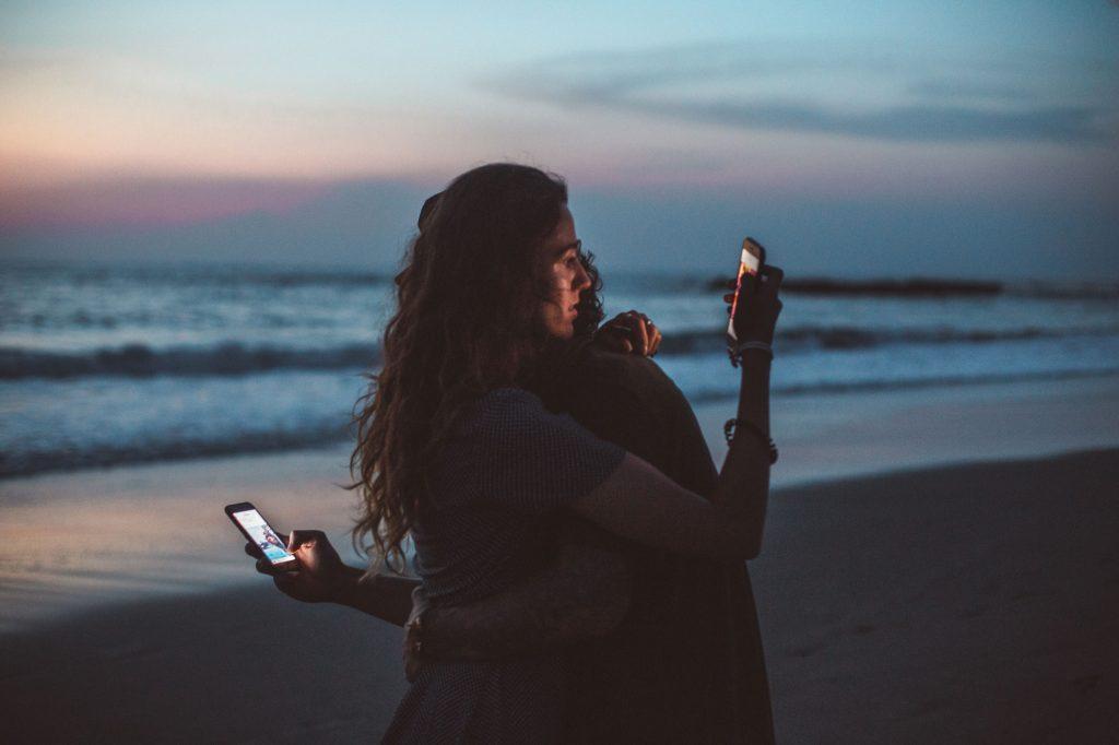 Social-Media-Umarmung