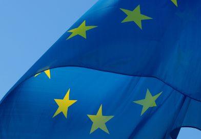 Flagge der EU im Wind