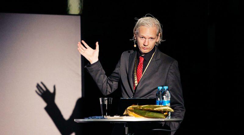 Julian Assange bei einer Rede