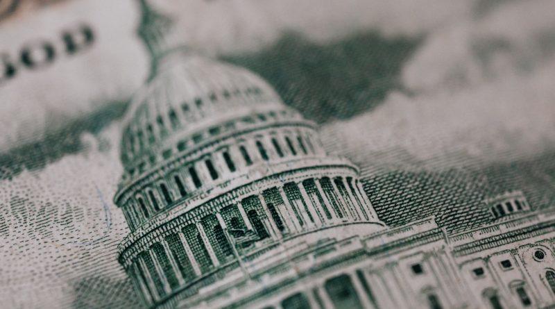 Nahaufnahme des Kapitols auf einem Geldschein
