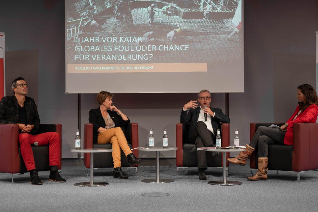 Die vier auf dem Podium (v.l.n.r.): Paul Scharner, Annemarie Schlack, Christian Fölzer und Moderatorin Karoline Rath-Zobernig